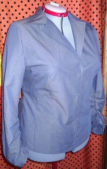 Голубая блузка из хлопка
