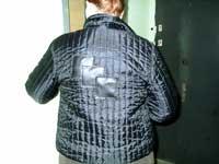 изображение дыры в куртке